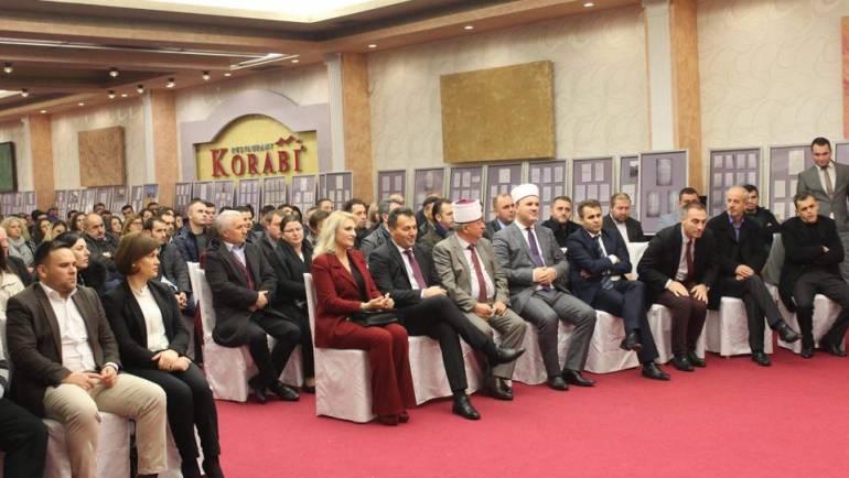 Komuna e Sarajit shënon 28 nëntorin festën e flamurit shqiptar