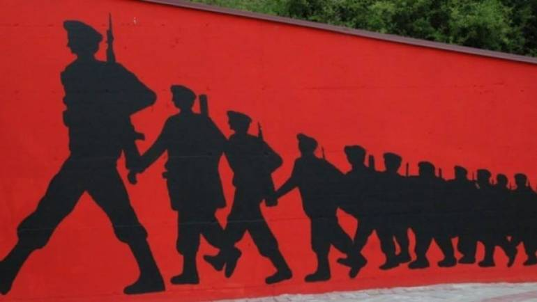 """Të gjithë ish-ushtarët e Ushtrisë Çlirimtare Kombëtare, që janë qytetarë të Komunës së Sarajit, janë liruar nga taksa komunale e NKP """"Saraj"""", në Komunën e Sarajit."""