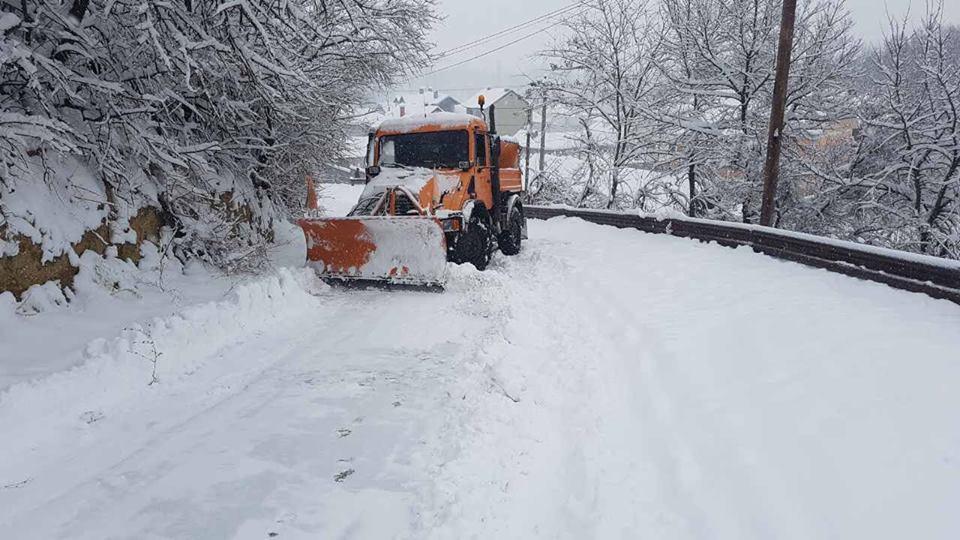 Vazhdon aksioni për pastrimin e rrugëve në Saraj