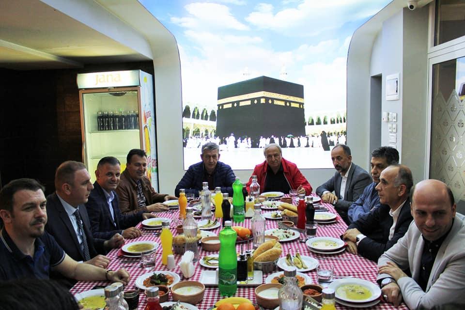 Iftar i përbashkët i komunës së Sarajit dhe Myftinis së Shkupit