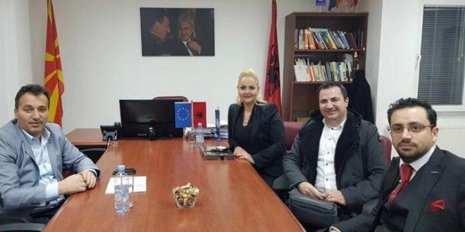 Kryetari i Sarajit takon drejtuesit e spitalit turk Sante plus