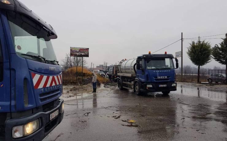 Autoritet komunale në Saraj, po sanojnë dëmet nga shiu I rrëmbyeshëm dhe vërshimet