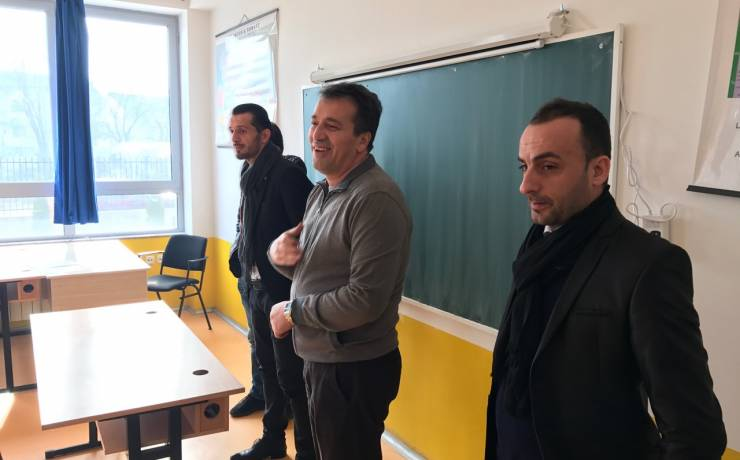 Vizita e krytarit në shkollën e mesme Saraj