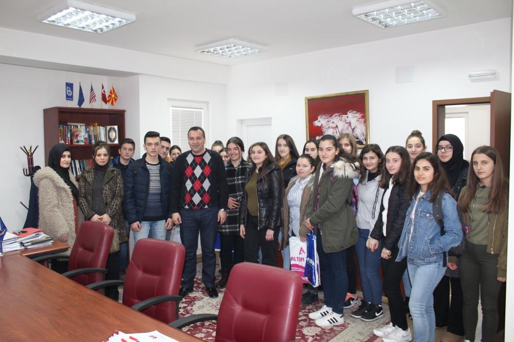 Kryetаri I komunës së Sarajit Blerim Bexheti sot priti në vizitë nxënësit e Shkollës së Mesme Saraj.