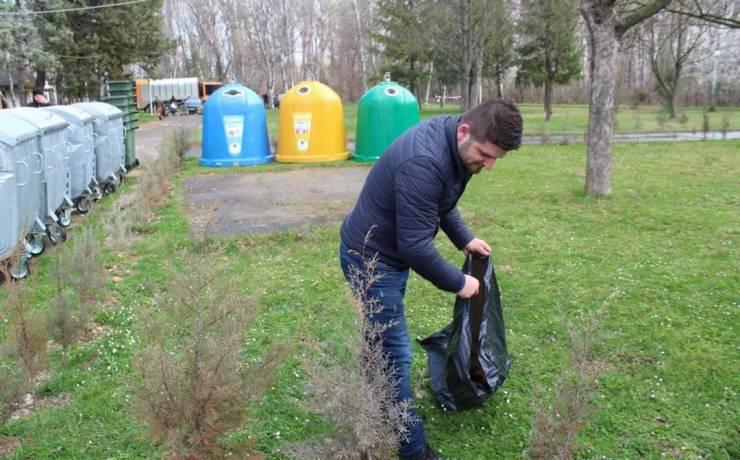Ditën e Pranverës komuna e Sarajit e shënoi me pastrimin e mbeturinave në liqenin Treska