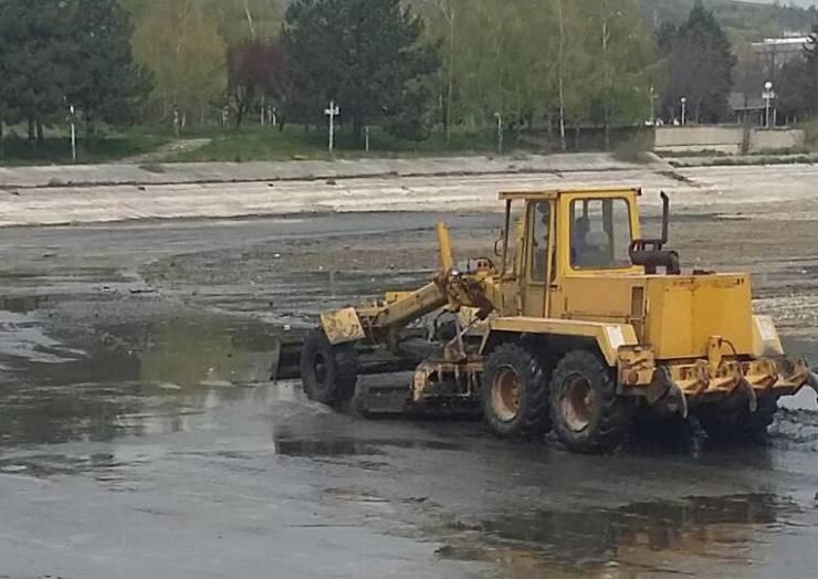 Komuna Saraj bën pastrimin dhe rregullimin e Liqenit Treska.