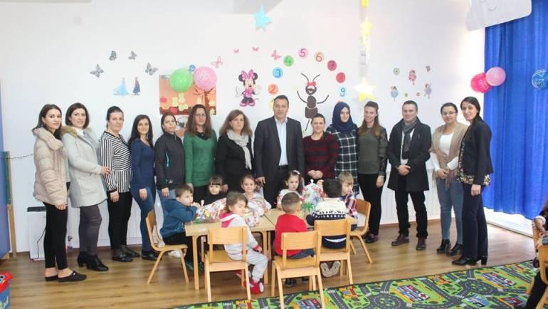Kryetari Blerim Bexheti shpërndau dhurata për Vitin e Ri
