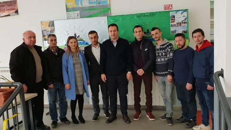 Kryetari i Komunës së Sarajit Blerim Bexheti, vizitoi Shkollën e Mesme ' Saraj' ku takoi drejtorin z.Bedri Gjureci